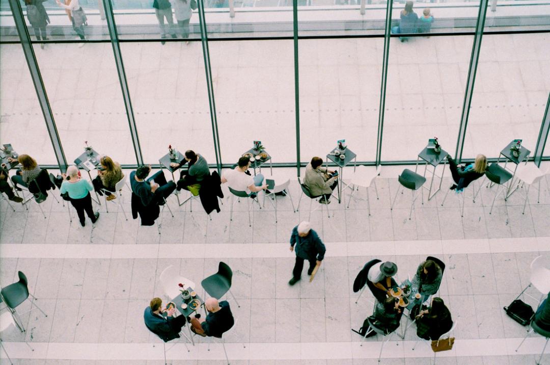 Työntekijöiden sitouttaminen on pohjimmiltaan yksinkertaista: ole kiinnostunut työntekijöistäsi.